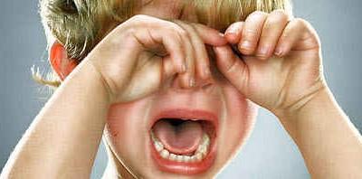 Что делать если ребенок закатывает истерики
