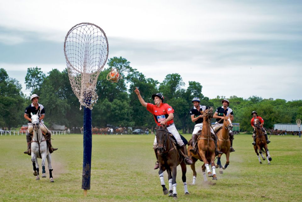 Парень увлекается спортом, что делать
