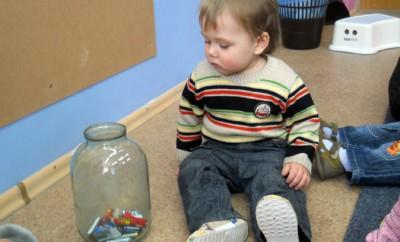 Ребенок проглотил батарейку, что делать?